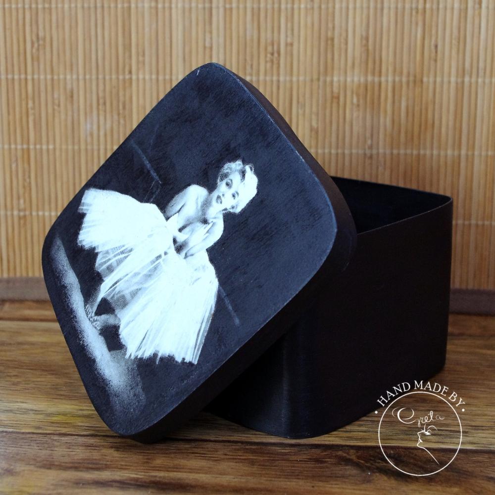Marylin Monroe Black1_www_NeedWant_Perfumeria Greta_Żywiec